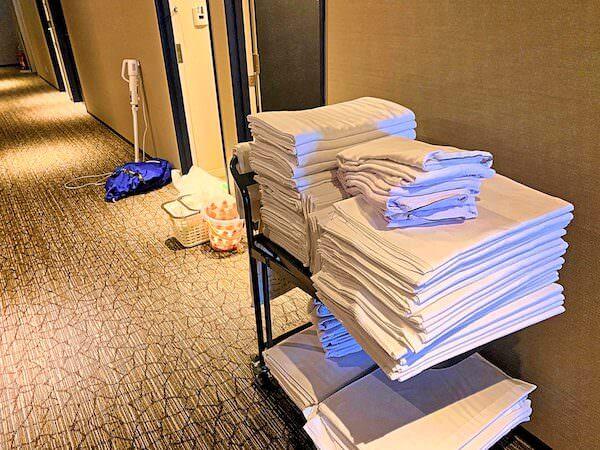 大阪のビジネスホテルでの裏方業務リゾートバイトの仕事風景