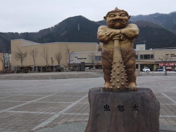 鬼怒川温泉駅の銅像
