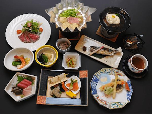 草津旅館の夕食