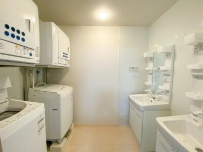 リゾートバイト寮の洗濯室