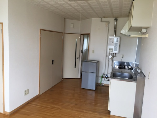 リゾートバイト個室寮のキッチン