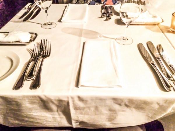 レストランのテーブルセット