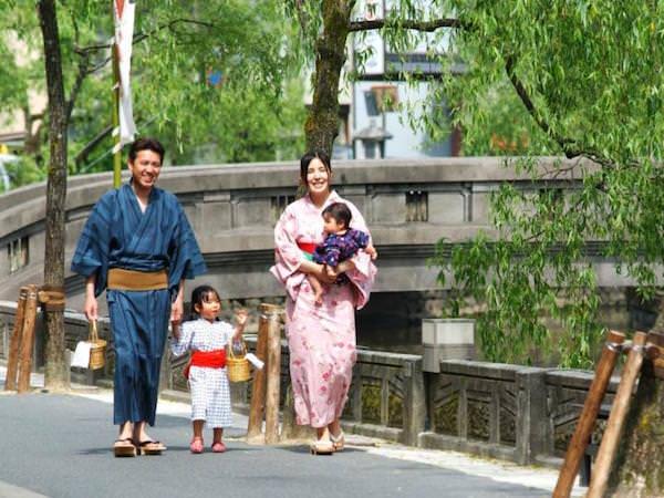 城崎温泉の観光客2
