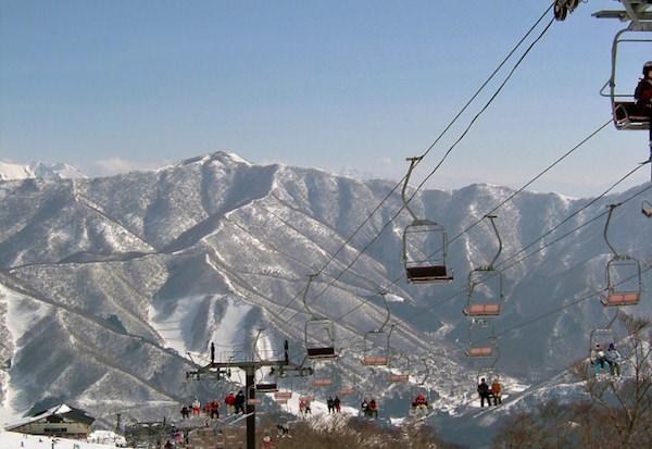 スキー場のリフト2